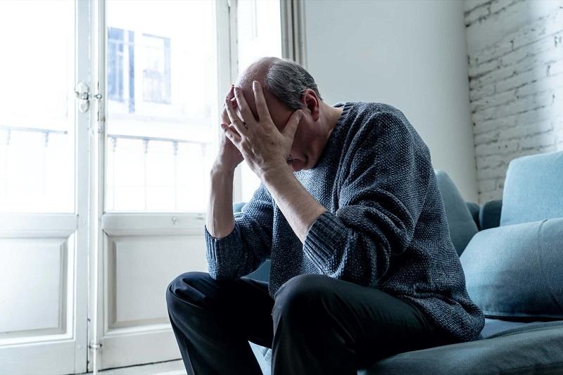 بررسی نشانه های بیماری روانی شایع