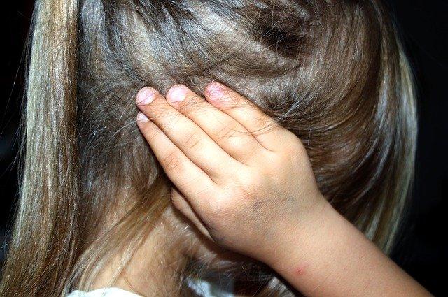 اختلال نافرمانی مقابله ای که یکی از شاخه های اختلالات روانی در کودکان است