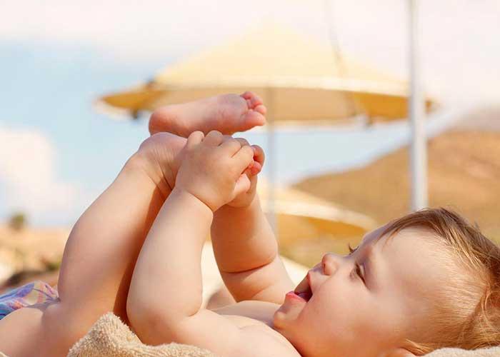 نوزاد مبتلا به یرقان